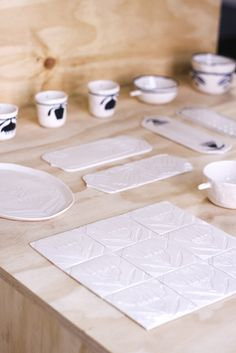 An experimental journey of the multidisciplinary illustrator Madalina Andronic through the awesome milky-silky world of porcelain, with a touch of Romanian folklore. NEW SHOP HERE:. Ceramic Workshop, White Ornaments, Ceramics Projects, Christmas Mood, Ceramic Jewelry, New Shop, Screen Printing, Objects, Porcelain
