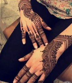 Mehendi – The word itself says all in regards to traditional practice of making Henna tattoos on hands or legs, … Hena Designs, Henna Art Designs, Stylish Mehndi Designs, Mehndi Designs For Girls, Bridal Henna Designs, Dulhan Mehndi Designs, Mehndi Design Pictures, Beautiful Mehndi Design, Mehndi Images
