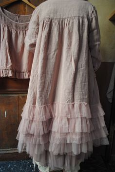 38 Ideas Shabby Chic Clothes Outfits Wardrobes For 2019 Pretty Outfits, Chic Outfits, Beautiful Outfits, Fashion Outfits, Linen Dresses, Casual Dresses, Mode Mori, Vintage Outfits, Vintage Fashion