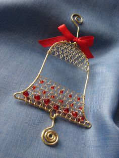 Drôtovanie, galéria | Artmama.sk Handmade Wire Jewelry, Wire Jewelry Designs, Wire Wrapped Jewelry, Beaded Christmas Decorations, Diy Christmas Ornaments, Holiday Crafts, Christmas Fair Ideas, Copper Wire Art, Wire Ornaments