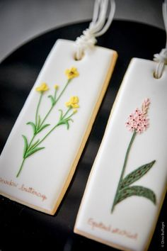 Herbs and Flowers Embroidery shortbread Cookies - biscotti decorati in ghiaccia reale | MyCakes