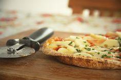 pizza de gorgonzola com palmito cebolete e geléia de pimenta