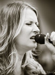Live music photography | Nashville Tennessee | The Americana Experience | Americana | Country Music | Hilary Williams performing at The Viva Nashvegas Radio Show for The Americana Festival!  {Anne Clark Photographs}