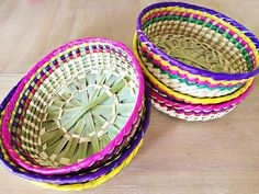 These lovely handwoven decorative baskets from Mexico are great as bread baskets, tortilleros, or as centerpieces for your next Mexican Fiesta! Add a splash of color to your table. wide Listing is for 1 basket Made in Mexico Ships in business days. Mexican Candy Table, Mexican Fiesta Party, Fiesta Theme Party, Taco Party, Party Themes, Mexican Centerpiece, Mexican Party Decorations, Fiesta Party Centerpieces, Mexican Birthday Parties