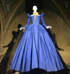 haute couture fashion Archives - Best Fashion Tips Elizabethan Costume, Elizabethan Fashion, Tudor Fashion, Renaissance Fashion, Female Fashion, Fashion Tips, Tudor Costumes, Period Costumes, Movie Costumes