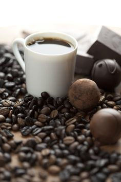 Happy National Coffee Day! We have all our personal care products and candles in our Espresso & Cocoa fragrance! mosaiqfragrance.com #NationalCoffeeDay
