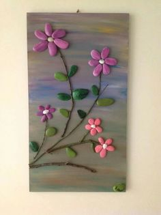The DIY Pebble art is a huge subject and volumes can be written on this sole subject alone. While utilizing the DIY pebble art we basically design different e Stone Crafts, Rock Crafts, Diy And Crafts, Arts And Crafts, Pebble Painting, Pebble Art, Stone Painting, Painting Flowers, Caillou Roche
