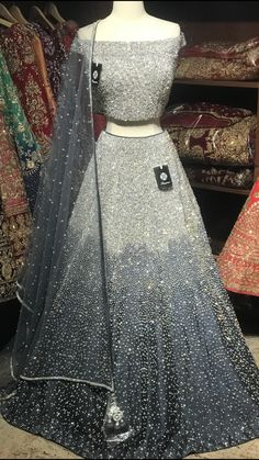 Indian Fashion Dresses, Indian Bridal Outfits, Indian Gowns Dresses, Dress Indian Style, Pakistani Bridal Dresses, Pakistani Dress Design, Indian Designer Outfits, Indian Wear, Lehenga Designs Latest