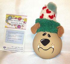 modèle: Chien-bulldog  Décoration de Noël réalisée à partir d'objets recyclés Pour commander: https://www.facebook.com/LesFantaisiesdeMamzelleSofy