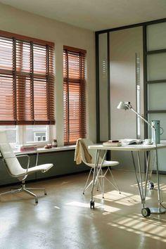 A coleção composta pelas linhas Eco Wood; Leather; Piano; Art Wood e Genuine Wood adaptam-se aos mais variados ambientes – sendo uma tendência o uso de elementos naturais na decoração.