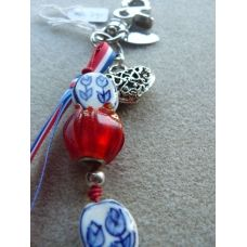 """Holland"" key- or pursechain. Red-white and blue.."