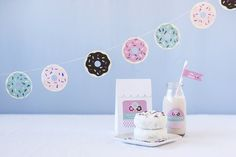 DIY Donut Party Garland~Life is so much sweeter when it involves donuts. Glazed, jelly filled, old fashioned, or sprinkled. Twin Birthday Parties, Birthday Party Games, 2nd Birthday, Party Garland, Diy Garland, Garlands, Dinner Party Decorations, Party Themes, Party Ideas