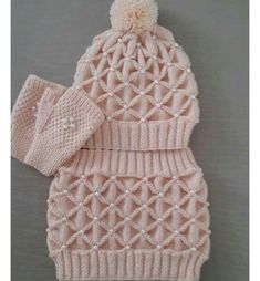 Diy Crafts - This Pin was discovered by hab Easy Knitting Patterns, Knitting Projects, Crochet Projects, Crochet Patterns, Crochet Baby Jacket, Crochet Poncho, Crochet Hats, Baby Hats Knitting, Knitted Hats