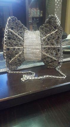 Awesome butterfly crochet bag Handmade Bags, Butterfly, Crown, Crochet, Awesome, Handmade Handbags, Corona, Ganchillo, Crocheting