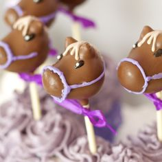 Horse Cake Pops. Themed Party Kara's party ideas.com #horse
