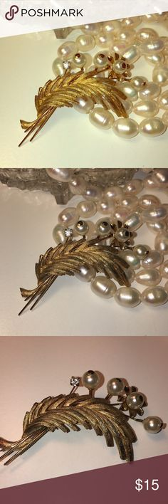 Beautiful gold vintage and pearl leave pin brooch Beautiful gold vintage and pearl leaf Pin , Brooch . Pan has nice working back beautiful condition brushed gold leaf from the company Roma 📫 One day shipping🛍 Bundle for 10% off 🎁New Free Gift with purchase Vintage Jewelry Brooches