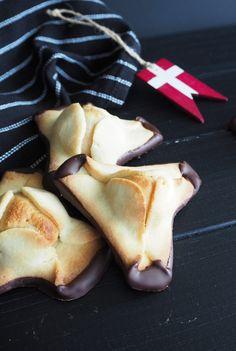 Dänische Napoleonhüte: Leckerer Mürbeteig mit Marzipan und Schokolade!