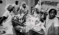 African American doctors attempting to save the life of a Klu Klux Klan member. And 20 other inspirational pictures at InspirationalStrangers.com #pictures #inspirational #inspire #kindness #actsofkindness #faithinhumanity