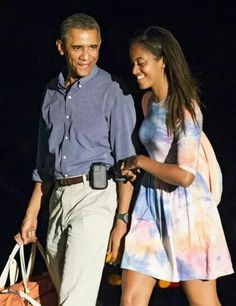 Barack and Malia....a father/daughter moment!