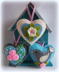 Little felt ornaments Handmade Crafts, Diy Crafts, Fabric Hearts, Felt Decorations, Heart Crafts, Heart Ornament, Felt Applique, Marianne Design, Felt Fabric