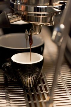 Headfirst Coffee Roasters in Amsterdam. (Photo by onahazymorning.com) #headfirst #coffee #espresso