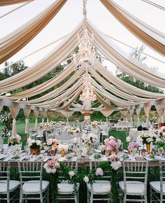 21 Reception Photos That Will Have You Dreaming of an Outdoor Wedding - The Knot Blog