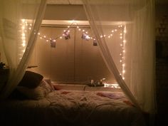 Dorm room paradise! I love this canopy and it was so easy to make.