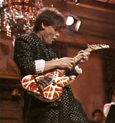 On this day in Eddie Van Halen finger-tapped and whammy-bar-dived his way through a bluesy rave-up alongside G. Smith and the Saturday Night Live band. Eddie Van Halen, Alex Van Halen, Greatest Rock Bands, Best Rock, Rock And Roll Bands, Rock N Roll, Van Hagar, Electric Guitar Kits, Best Guitarist