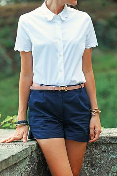 Totally an outfit any girl can rock. Maybe a pop of a pink necklace would jazz it up.