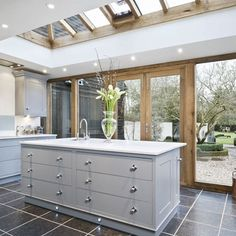 Awesome Roof Lantern Extension Ideas - The Urban Interior Kitchen Diner Extension, Open Plan Kitchen, New Kitchen, Kitchen Extension Glass Wall, Kitchen Extension With Roof Lantern, Kitchen Layout, Orangery Extension Kitchen, Glass Roof Extension, Kitchen Orangery