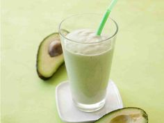 Avokadosmoothie Recipe Of The Day, Glass Of Milk, Smoothies, Good Food, Food And Drink, Meals, Drinks, Breakfast, Healthy