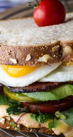 Bacon and Heirloom Tomato BLT w/Fried Eggs and Smoked Gouda ~ Heirloom ...