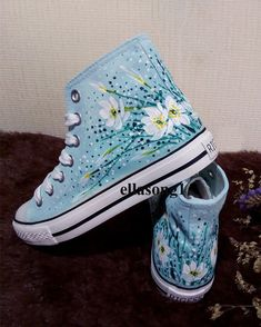 Custom Painted Shoes, Painted Canvas Shoes, Painted Clothes, Hand Painted Shoes, Custom Shoes, Painted Converse, Painted Sneakers, Diy Converse, Aesthetic Shoes