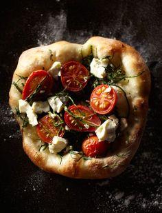 MAKING PIZZA LIKE A PRO | Blog | Noel Barnhurst | omgoodnes.....