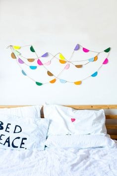 DIY Paper Garland by Little Nikki for The Jungalow Baby Bedroom, Bedroom Kids, Diy Garland, Jolies Choses, Home Projects, Diy Paper, Diy Art, Home Furniture, Diy Crafts