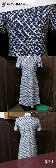Leslie Fay dress size small petite Adorable short sleeve blue and white dress by Leslie Fay petite dresses materials are 100% polyester made in El Salvador size small petite measurements laying flat armpit to armpit 18 inches length from shoulder down 37 inches Leslie Fay Dresses