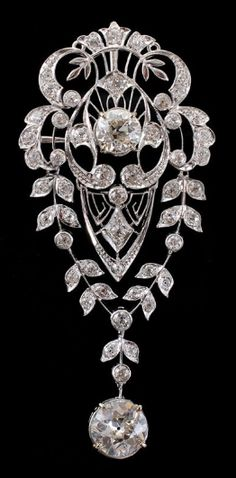 *EDWARDIAN PLATINUM 4.66 CTW DIAMOND BROOCH Ca. 1910-1920: Effervescent Edwardian open filigree platinum brooch with an approx. 1.84 Ct old European cut diamond. #DiamondBrooch