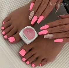 The pink nail art design can highlight the soft and sweet temperament of women.Pink nail art designs can be used in almost all occasions, not unassuming, but without losing grace. Pink Glitter Nails, Pink Nail Art, Pink Acrylic Nails, Neon Nails, Pastel Nails, Dope Nails, Pink Toe Nails, Barbie Pink Nails, Pink Nail Colors