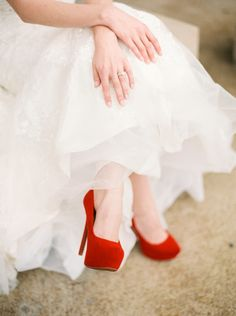 Red pumps: http://www.stylemepretty.com/little-black-book-blog/2015/02/14/valentine-inspired-winter-romance/ | Photography: Elizabeth Ngundue - http://elizabethngunduephotography.com/