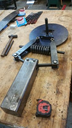 Blacksmith Power Hammer, Blacksmith Tools, Blacksmith Projects, Forging Tools, Blacksmithing Knives, Forging Metal, Metal Working Tools, Metal Tools, Metal Projects