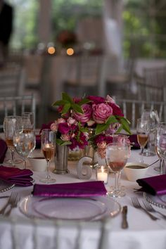 Hot pink, pink, and white centerpiece in a mint julep cup. Photo: Stephanie Ascari Photography