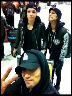 Ash with his peace sign, Andy's like 'Sup' and CC is like 'WEIRD FACE TIME' :)
