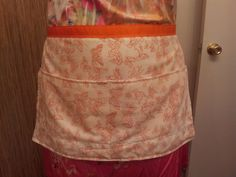 """project - min"""" apron from vintage pillowcase Crafty Projects, Aprons, Pillow Cases, Crafts, Vintage, Creative Crafts, Handmade Crafts, Vintage Comics, Apron"""