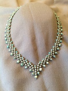St Petersburg chain with silver and pale blue pearls Knotted maxi + sandals = Comfy Cute ? na Color Block Cable Knit Sweater in Red Seed Bead Necklace, Seed Bead Jewelry, Bead Jewellery, Diy Necklace, Beaded Jewelry, Handmade Jewelry, Beaded Bracelets, Seed Beads, Jewlery