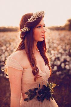 Golden Louisiana cotton field wedding inspiration | Photo by Rachel Leigh Photography | Read more - http://www.100layercake.com/blog/?p=83456