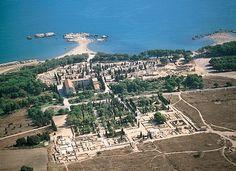 CIUDAD GRECO ROAMANA DE EMPURIES (Empuries, Girona) - El único yacimiento de la Península donde conviven una ciudad griega y una ciudad romana