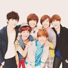 Boyfriend... I'm waiting for a comeback T.T I miss them~