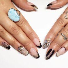 Everyone bitch needs a finger to wave in someone else's face. #dallasbeautylounge #nailart #nailedit #nailstyle #gelish #swarovski #negativespace #lacenails