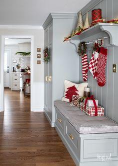 Farmhouse Christmas Decor, Christmas Home, White Christmas, New Living Room, Formal Living Rooms, Cute Christmas Decorations, New Paint Colors, Christmas Bedding, Entryway
