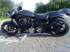 this bike has a custom rear fender and a wide tire. I tend to go more for the chopper style but its cool Custom Motorcycles, Custom Bikes, Cars And Motorcycles, V Rod, Super Bikes, Bobber, Motorbikes, Yamaha, Really Cool Stuff